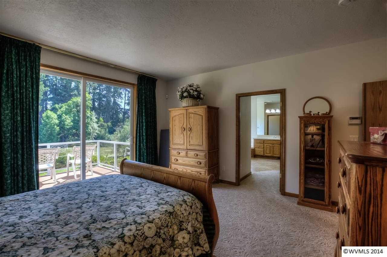 518-520 Thornton Lake Dr, Albany, OR - USA (photo 5)