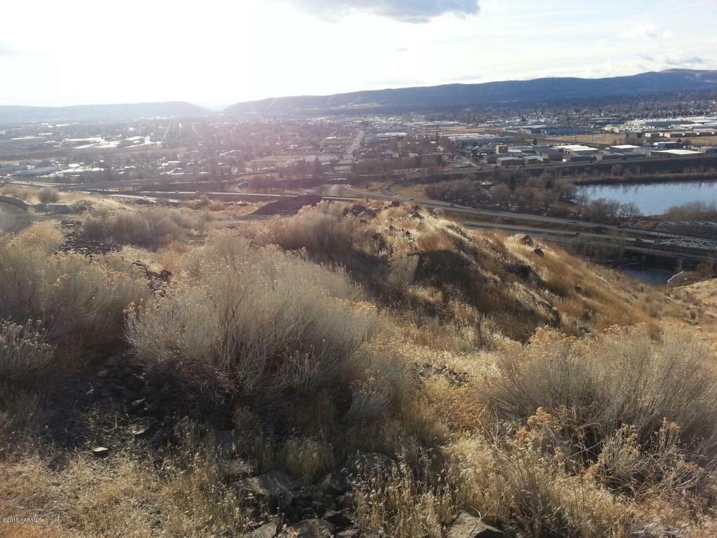 660 Riverview Dr, Yakima, WA - USA (photo 3)