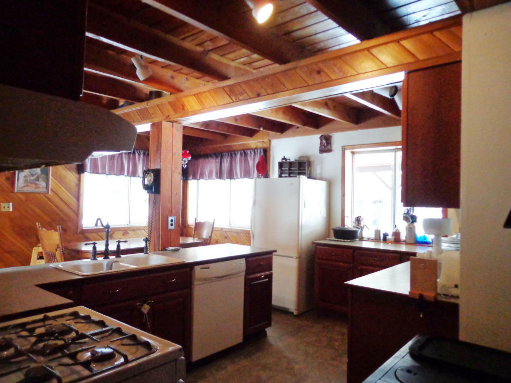 823 Old Kettle Falls Rd, Republic, WA - USA (photo 4)