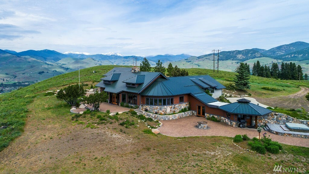 307 Stud Horse Mountain Rd, Winthrop, WA - USA (photo 3)