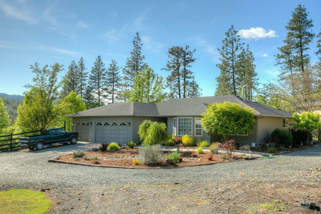 9481 East Antelope Road, Eagle Point, OR - USA (photo 2)