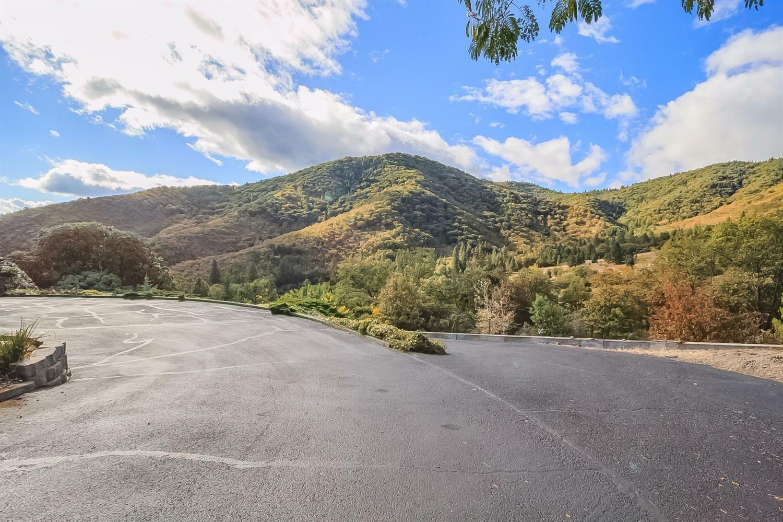 2400 Ashland Mine Road, Ashland, OR - USA (photo 2)