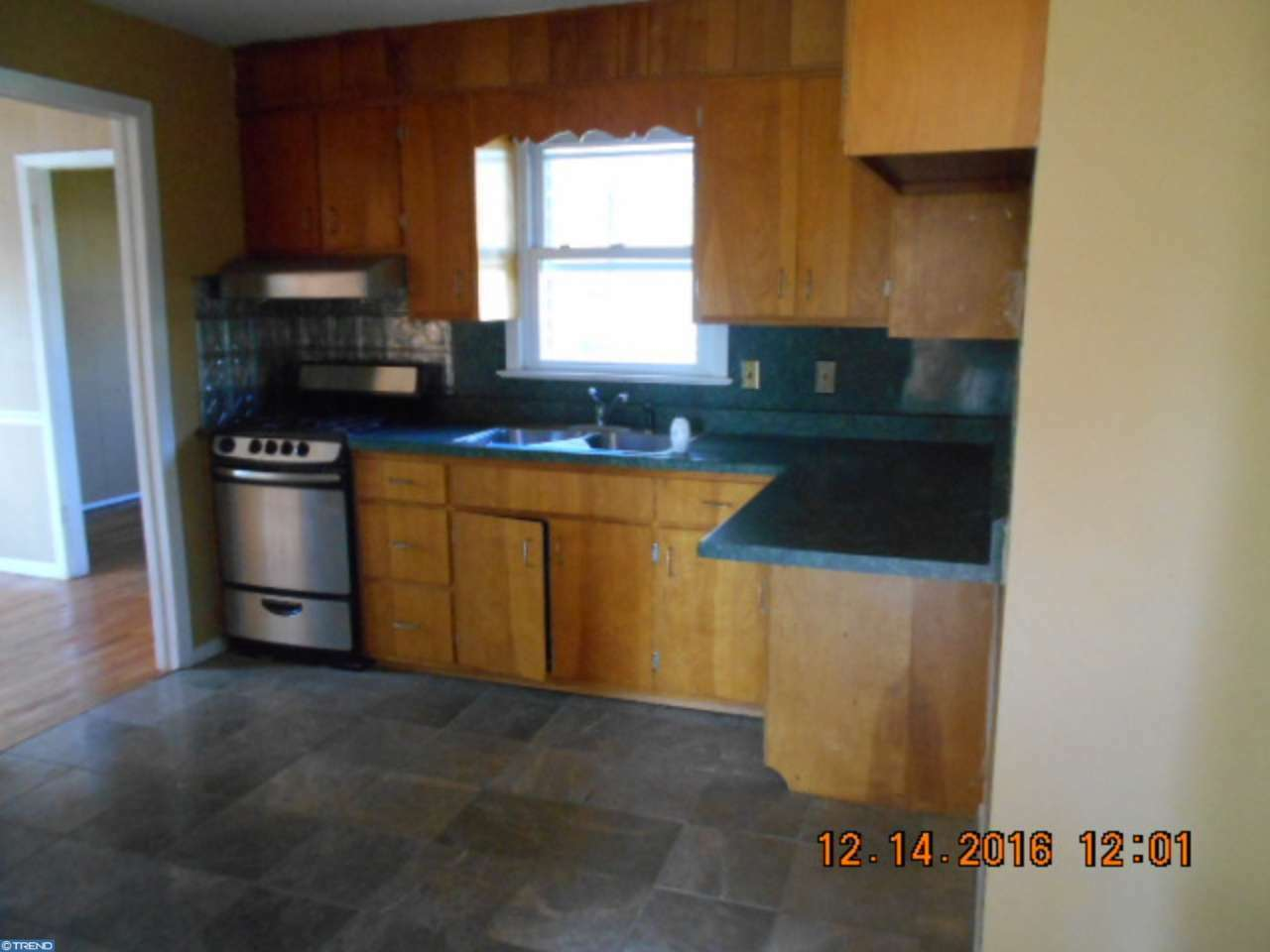 82 W Maple Ave, Morrisville, PA - USA (photo 5)