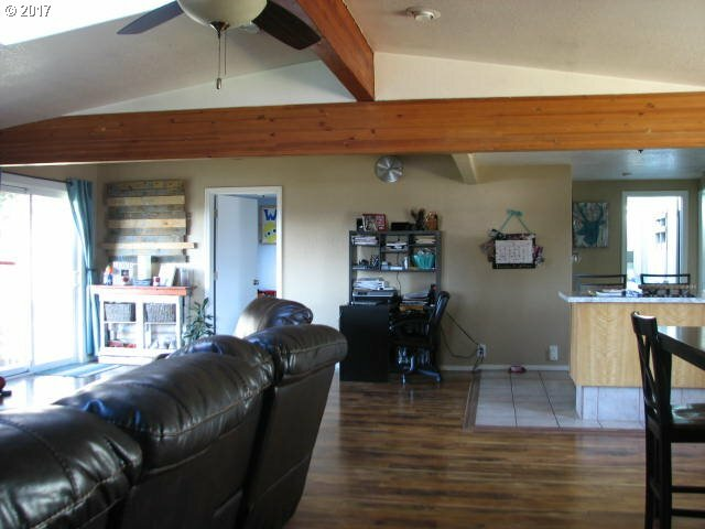 470 3rd Ct, Coos Bay, OR - USA (photo 5)