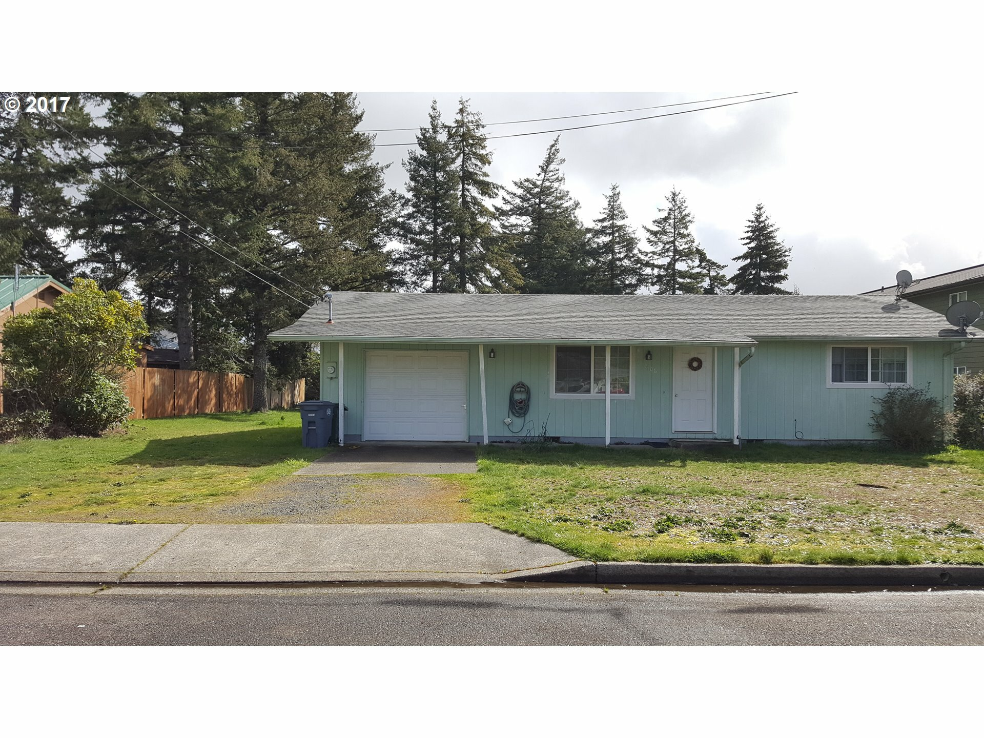 1106 Maple St, Florence, OR - USA (photo 1)