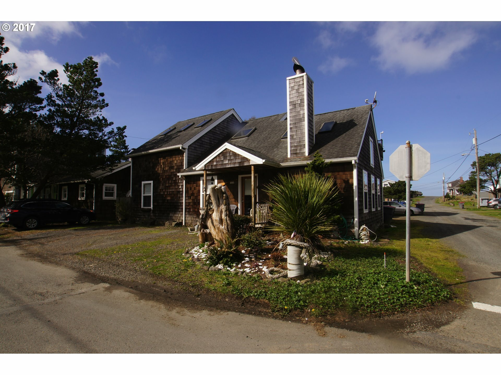 335 14th Ave, Seaside, OR - USA (photo 2)