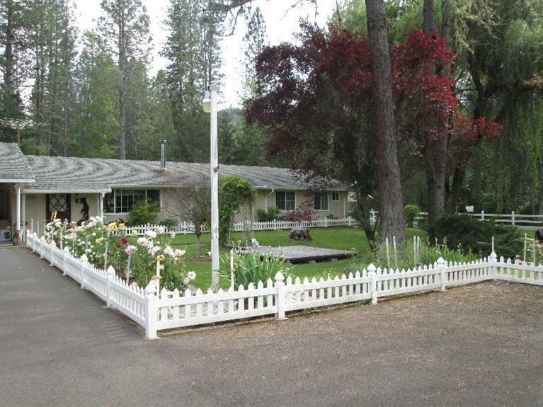 4585 East Evans Creek Road, Rogue River, OR - USA (photo 1)