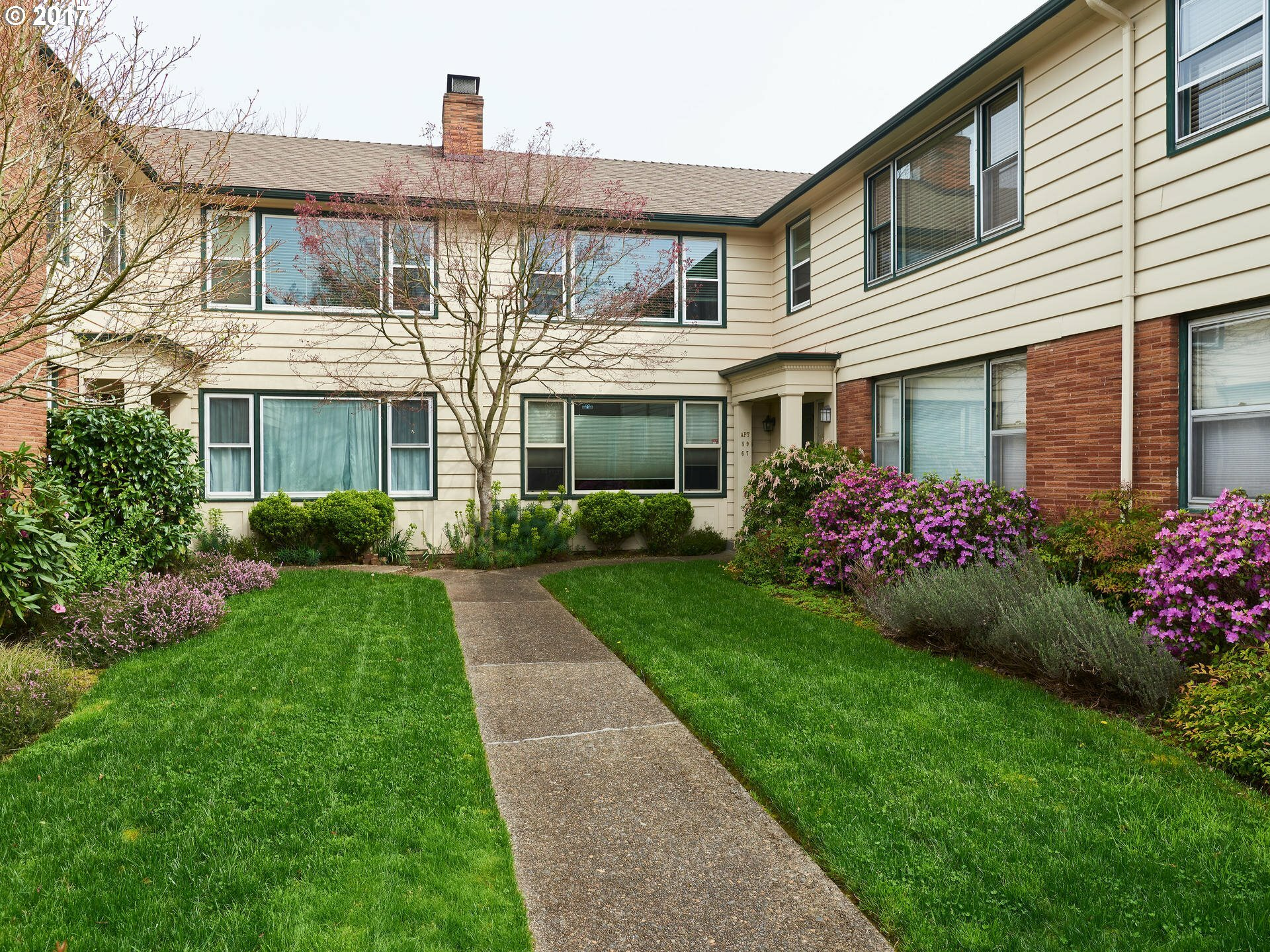 2211 Ne Halsey St 9, Portland, OR - USA (photo 2)