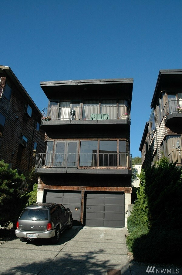 2031 Waverly Place N 3rd, Seattle, WA - USA (photo 1)