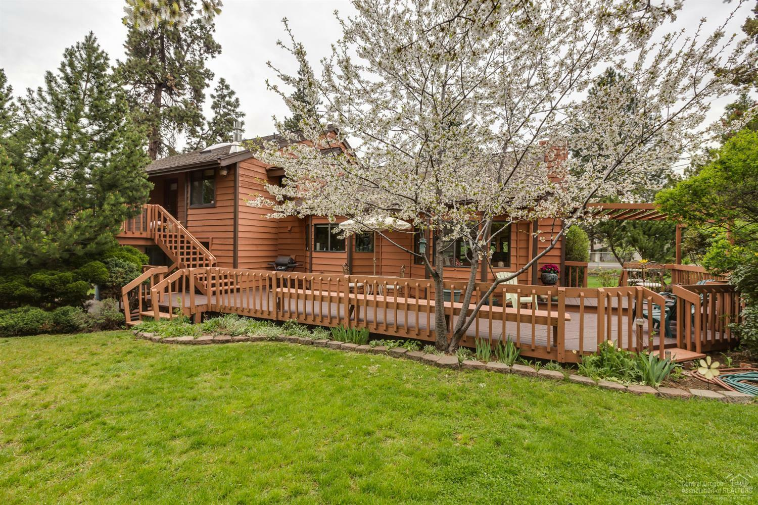 2337 Northeast 8th Street, Bend, OR - USA (photo 2)