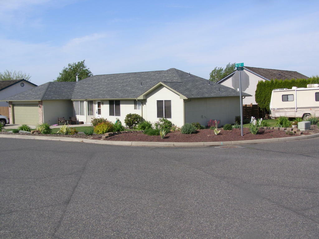 302 N 57th St, Yakima, WA - USA (photo 2)