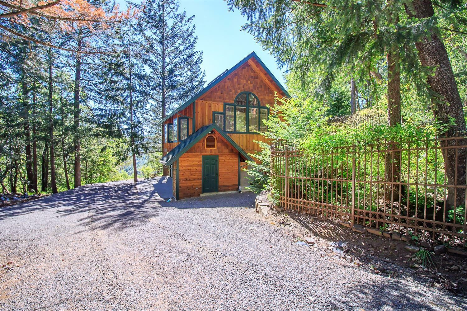 707 Timberlake Drive, Ashland, OR - USA (photo 1)