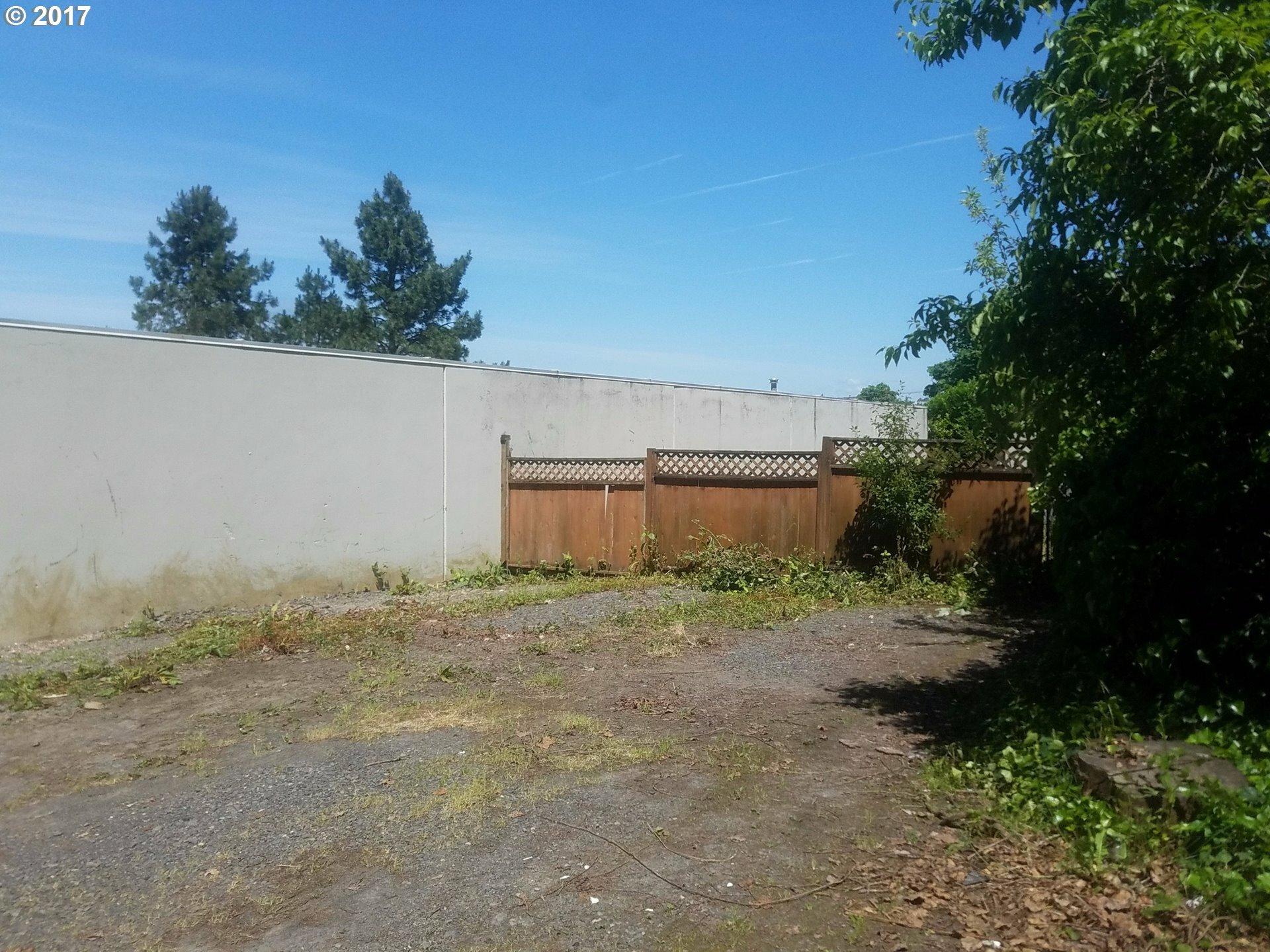 2643 Nw Saint Helens Rd, Portland, OR - USA (photo 3)