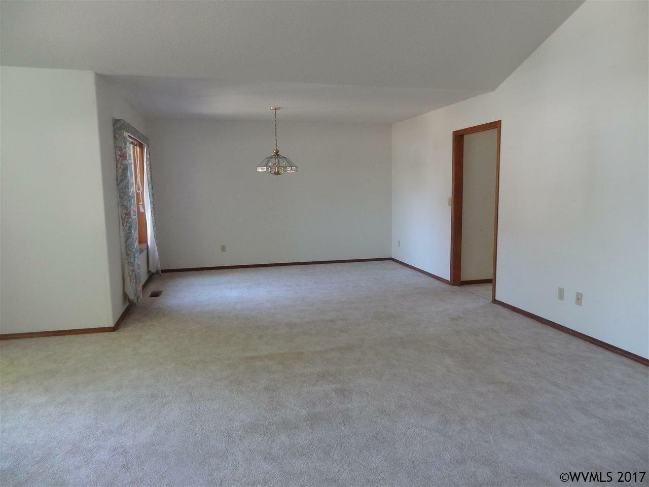 355 Jacobson Ct, Monmouth, OR - USA (photo 4)