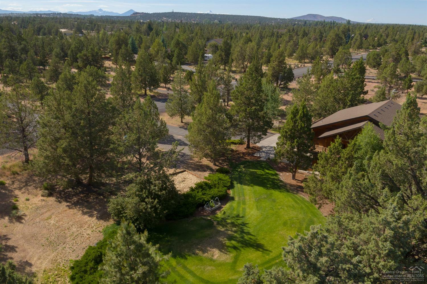 64604 Boones Borough Drive, Bend, OR - USA (photo 3)