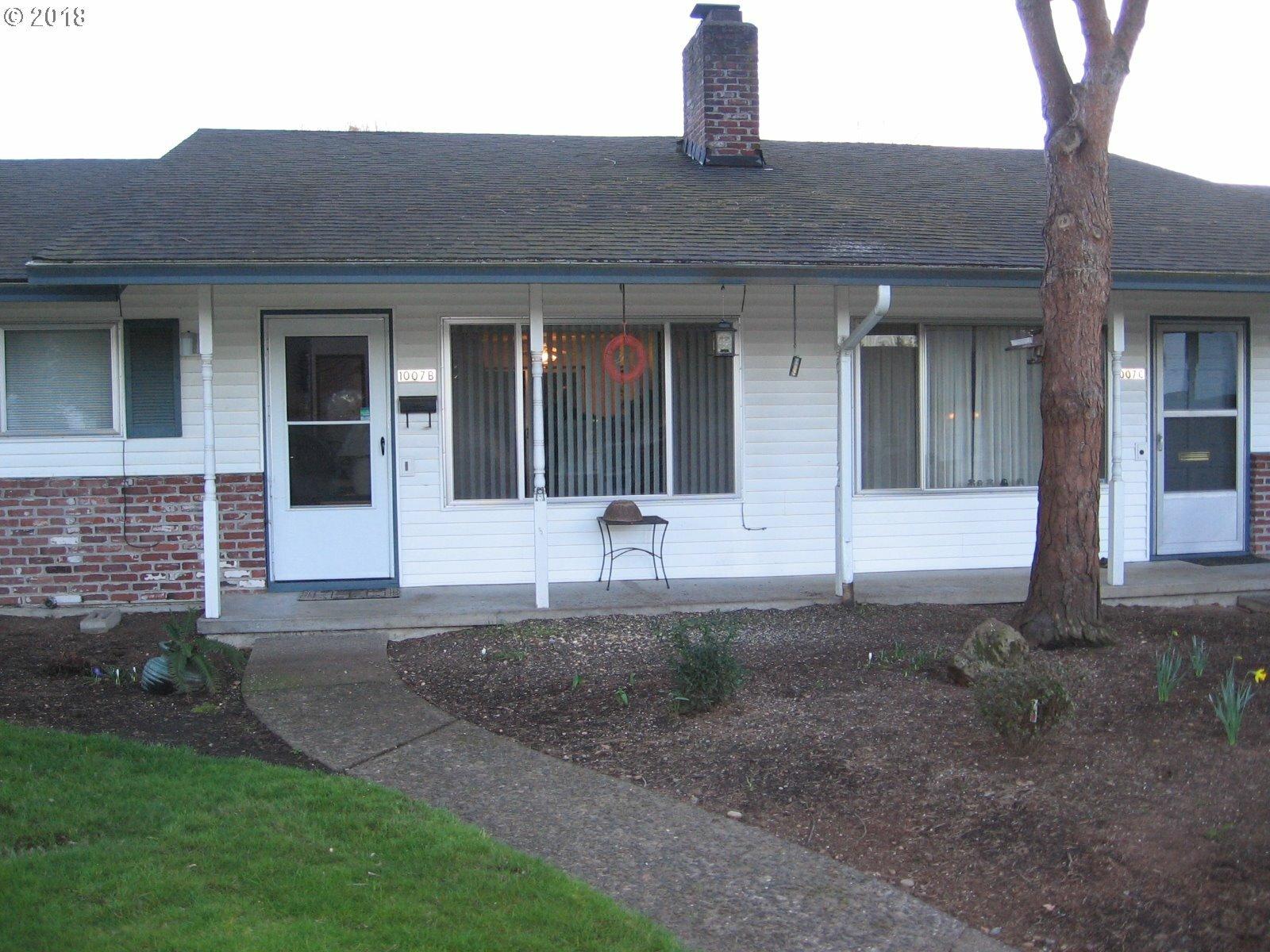1007 Ne 90th Ave B, Portland, OR - USA (photo 2)