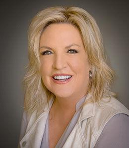 Julie Cardoza,  in San Jose, Intero Real Estate