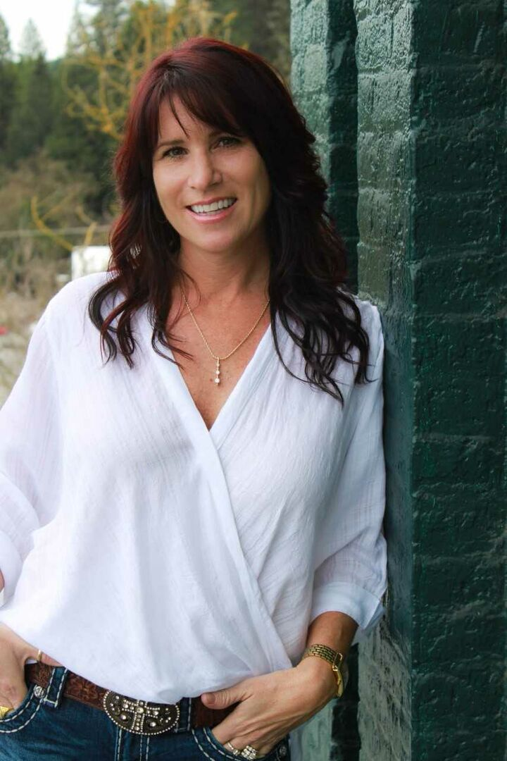 Tiffni Hald, Gold Country/Truckee Specialist in Nevada City, Intero Real Estate