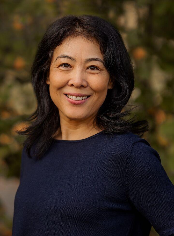 Lisa Dong
