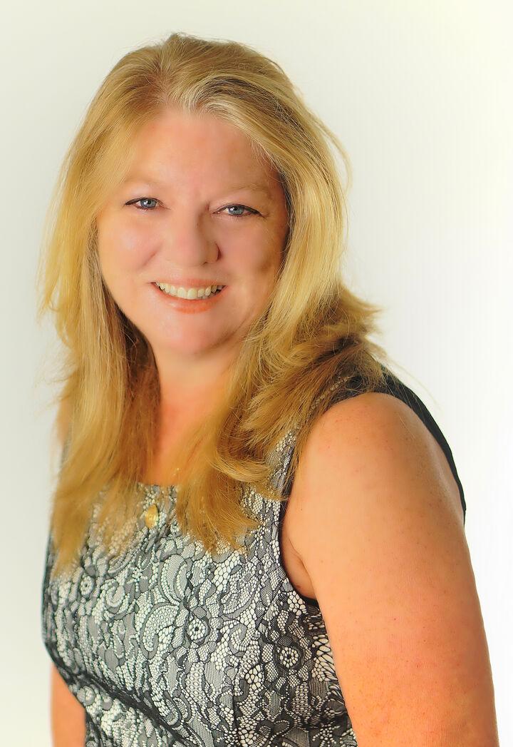 Lois Reisdorf, CRS