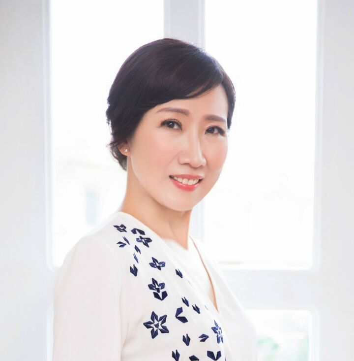 Susan Hu,  in Cupertino, Intero Real Estate