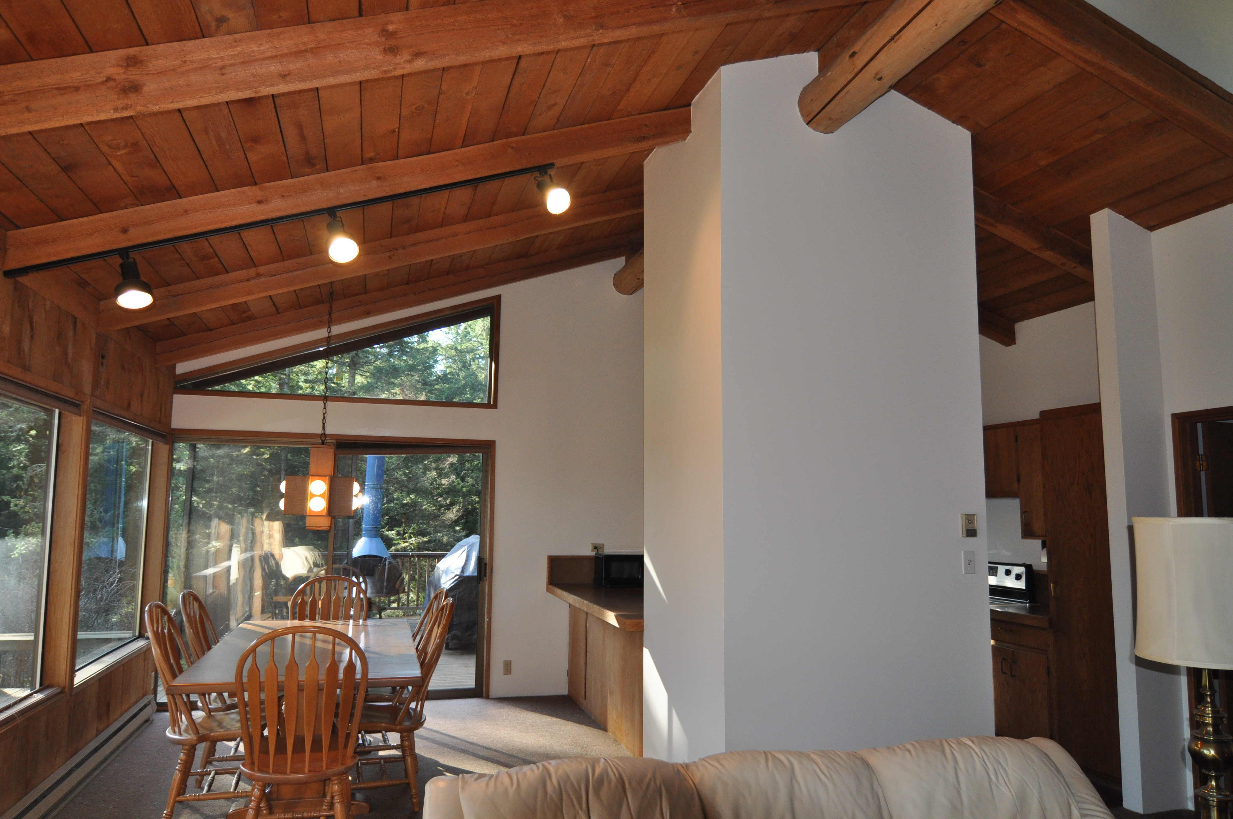 Living room to dining and kitchen (photo 3)